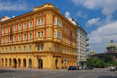 Stop at EA Hotel Down Town to discover the wonders of Prague. The hotel has everything you need for a comfortable stay. Wi-Fi in public areas, car park, airport transfer, laundry service, concierge are on the list of things guests can enjoy. Prague Hotels, Prague Czech Republic, Welcome Decor, 4 Star Hotels, Hotel Offers, Scenery, Street View, Europe, House Styles