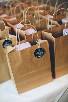 Packaging Ideas Discover Brown Bag Favor Bags with Personalized Gift Tags Brown Bag Favor Bags with Personalized Gift Tags Baking Packaging, Dessert Packaging, Gift Packaging, Packaging Ideas, Wedding Favor Bags, Wedding Gifts, Paper Bag Design, Clothing Packaging, Browns Gifts