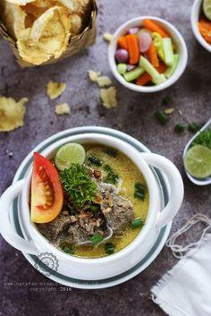 SOTO BETAWI | Catatan-Nina Indonesian Cuisine, Indonesian Recipes, Asian Recipes, Healthy Recipes, Ethnic Recipes, Soto Betawi, A Food, Food And Drink, Malaysian Food