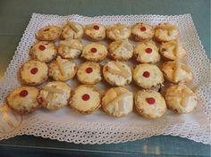 Bandeja de Entremeses de Pastelerias Zuricalday en Las Arenas asociada a nuestra web www.catering.apanymantel.com y para cubrir a domicilio Bilbao y la Margen derecha de Bilbao.