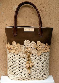 68 Ideas crochet bag pattern purse michael kors for 2019 Crochet Handbags, Crochet Purses, Crochet Bags, Crochet Flowers, Diy Sac, Crochet Shell Stitch, Diy Handbag, Purse Patterns, Sewing Patterns