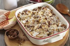 Use your apple orchard haul in this Cinnamon Roll-Apple Bake! This incredible dish includes brown sugar, cinnamon, cream cheese and refrigerated cinnamon rolls. Make this Cinnamon Roll-Apple Bake part of your weekend brunch—everyone will love it. Healthy Apple Desserts, Apple Recipes, Donut Recipes, Sweet Desserts, Kraft Recipes, Sweet Potato Pecan, Good Food, Yummy Food, Delicious Recipes