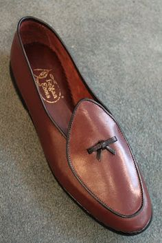 Style Classy Men Brown Leather Ideas For 2019 Men Dress, Dress Shoes, Navy Blue Shoes, Mens Fashion Shoes, Shoes Men, Moccasins Mens, Classy Men, Brown Shoe, Formal Shoes