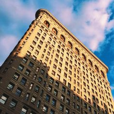 Tips for Smartphone Photos ie New York City's Flatiron Building is one of Manhattan's iconic and often-photographed structures; capturing a different side of it in 'golden hour' light brings out its photo-worthy intricacies © MaSovaida Morgan / Lonely Planet