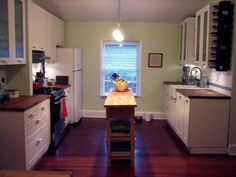Super narrow kitchen island - good use of space!