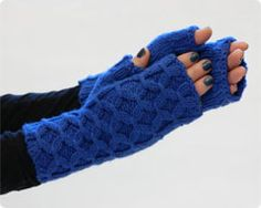 fingerless gloves, great stitch design.  Vogue knitting, free patterns