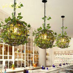 Industrial Light Fixtures, Pendant Light Fixtures, House Plants Decor, Plant Decor, Globe Pendant Light, Pendant Lights, Lampe Decoration, Bar Restaurant, Inside Plants