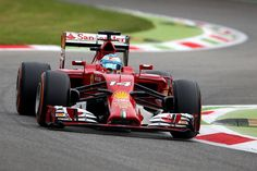 """Fernando Alonso: """"estoy contento con el trabajo que hemos hecho hoy en la puesta a punto y los neumáticos y, especialmente, con el tiempo que he estado trabajando con alta carga de combustible""""."""