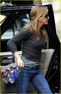 Jennifer Aniston tomboy style casual