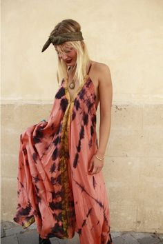 Great fashion blog full of Boho tie-dye unique looking outfits!