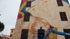 Roma, Tor Marancia. Nostra signora di Shanghai e lo street artist Mr. Klevra.