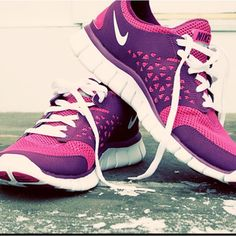 Running shoes store,Sports shoes outlet only 21USD, Press the picture link get it immediately!!
