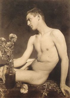Photo by Guglielmo Pluschow (1852-1930)
