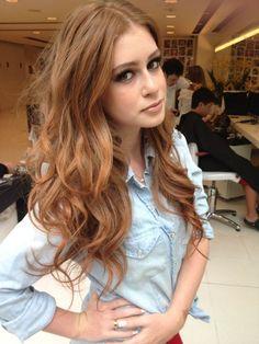 Marina Ruy Barbosa de cabelão ainda #FashionFama