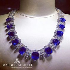 It is believed that the vast majority of sapphires from the important fields in Sri Lanka, Madagascar, Kenya and Tanzania are geologically related. Find out why reading the second part of our gemological article prepared with Alexander Falkovich for www.margoraffaelli.com (active link in bio). In the picture: @jacobandco ❤ Credit: www.margoraffaelli.com #margolovesjacobandco #margolovessapphires