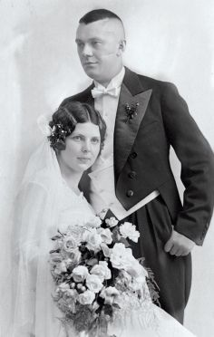 1930s_wedding_dress