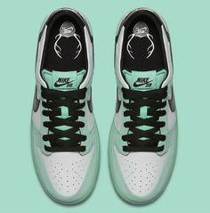 9027b22d3a8c1 Nike SB Dunk Low Sea Crystal Nike Sb Dunks