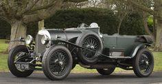 1924 Bentley 3-Litre Red Label Speed Model Tourer is dat de auto van John Steed  uit de Wrekers ???