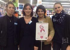 Béatrice Berto avec trois de ses employées, toutes très impliquées dans l'action Octobre rose. Photo V. A.-B. (CLP)