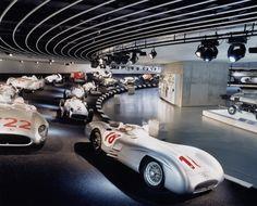 Impressions: Mercedes-Benz Museum Stuttgart - GF Luxury