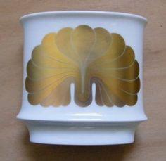 Marked on side: Rosenthal Studio Linie Rosemonde Nairac. Vase, Studio, Design, Simple Lines, Studios, Vases, Jars