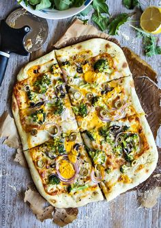 Broccoli & Red Onion Pizza