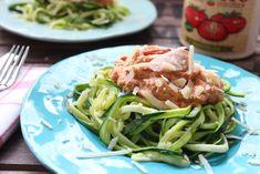 Zucchini-Nudeln (Zudeln) mit Lachs in Tomaten-Ricotta-Creme - Schnell gemacht und schmeckt fast jedem.