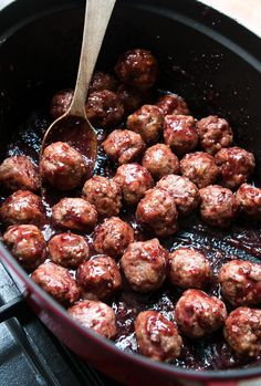 It's not about brisket recipes. But it is about these amazingly delicious-looking Cranberry-Glazed Meatballs. And maybe meatballs are kind of mini-brisket...