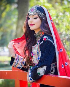Shared by Bahar Afg. Find images and videos about nice girl, afghan and Afghanistan on We Heart It - the app to get lost in what you love. Stylish Girls Photos, Stylish Girl Pic, Girl Photos, Cute Girl Poses, Cute Girl Pic, Cool Girl, Teenage Girl Photography, Girl Photography Poses, Nature Photography