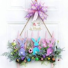 60 Easy DIY Easter Wreaths & Door Decorations You'd be Itching to Try Right Now - Hike n Dip Thinking about DIY Easter Wreaths for front door? No Worries! Here's the cutest and easiest Easter Wreath DIY & Easter door decoration ideas for you. Easter Projects, Easter Crafts, Bunny Crafts, Easter Ideas, Spring Crafts, Holiday Crafts, Spring Door Wreaths, Wreaths For Front Door, Diy Ostern