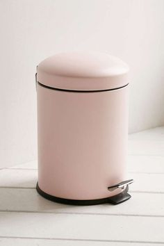 Pink Trash can for GLAM room. Bino Mini Trash Can Rose Gold Room Decor, Rose Gold Rooms, Pink Home Decor, Pink Bathroom Decor, Cute Room Ideas, Cute Room Decor, Room Ideas Bedroom, Bedroom Decor, Gold Bedroom