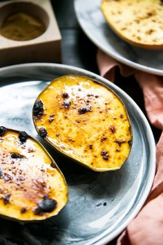 Nämä mehukkaat paahdetut laku-mangot ovat käsittämättömän yksinkertaisia valmistaa, luonnostaan ihanan makeita ja herkullisia - nature's candy!