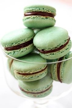 Celebrate St. Paddy's Day with these Minty Macarons.
