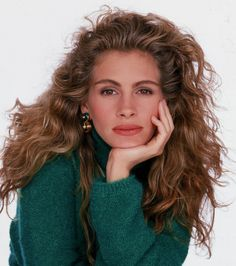Julia Roberts famous curly hair
