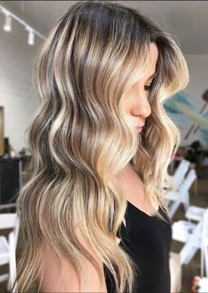 We've got tons of summer hair inspiration, from caramel-kissed brunettes to honey-dripped blondes to rose quartz-inspired brown. Get to scrolling, pinning, and swooning—these are the most stunning summer highlights. Ice Blonde Hair, Honey Blonde Hair Color, Strawberry Blonde Hair Color, Blonde Hair Shades, Hair Color Purple, Brown Hair Colors, Blonde Color, Hair Cute, Beautiful Blonde Hair