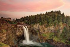 Snoqualmie Falls - See more of the best places to photograph in WA at http://loadedlandscapes.com/wa-photography-locations/  // Photo by Meher Anand Kasam - https://commons.wikimedia.org/wiki/File:Snoqualmie_Falls,_Snoqualmie,_WA.jpeg