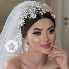 wedding make up Natural Wedding Makeup, Wedding Hair And Makeup, Wedding Beauty, Bridal Hair, Bride Tiara, Headpiece Wedding, Bridal Headpieces, Queen Makeup, Bride Hair Accessories
