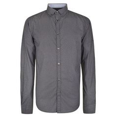 Micro Bubble Shirt Description: Refresh your casual smart attire with the Micro Bubble shirt from French Connection. Classic in design this cotton shirt features a playful micro bubble print, accented with long sleeves, a central button closure and buttoned cuffs.Size selection: Standard sizing True to size, take... http://qualityclothing.me.uk/micro-bubble-shirt/