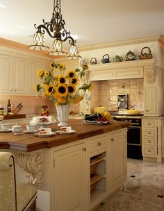 Best Way to Paint Kitchen Cabinets: A Step by Step Guide #paintingkitchen #kitchenideas #kitchencabinets