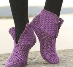 Court jester / DROPS – free knitting patterns by DROPS design – The Best Ideas Easy Knitting, Knitting Stitches, Knitting Socks, Knitting Patterns Free, Crochet Patterns, Free Pattern, Knitting Needles, Diy Tricot Crochet, Crochet Boots