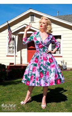 Birdie Dress with Three-Quarter Sleeves in Lavender and Pink Floral Print in medium or large. Quirky Fashion, Retro Fashion, Vintage Fashion, Vintage Couture, Vintage Style Dresses, Vintage Outfits, Modest Dresses Casual, Pinup Girl Clothing, Pinup Couture