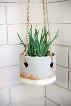 morengo hanging planter from tw pottery