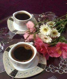 Lindo y deliciossso kf Coffee Is Life, I Love Coffee, Coffee Art, Coffee Cups, Tea Cups, Good Morning Coffee, Coffee Break, Pause Café, Coffee Photography
