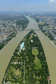 Margaret Island - Budapest, Hungary (Margitsziget)-- has a mile jogging trail around the island! Budapest City, Budapest Hungary, Wonderful Places, Beautiful Places, Budapest Travel Guide, Capital Of Hungary, Central Europe, Cool Places To Visit, Scenery