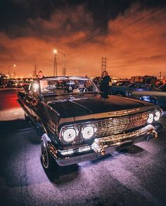 This documentary video will show you the real Chicano Cultura: L.A Lifestyle, streetlife, lowriding, latin hip hop, tattoo…. Retro Cars, Vintage Cars, Antique Cars, Chevrolet Chevelle, Chevrolet Impala, Estilo Chola, Arte Lowrider, Gta San Andreas, Old School Cars