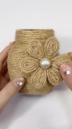 Diy Crafts For Home Decor, Diy Crafts Hacks, Diy Crafts For Gifts, Diy Arts And Crafts, Jute Crafts, Paper Crafts, Art Diy, Bottle Crafts, Craft Work