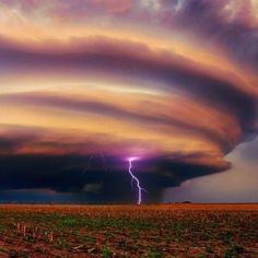 Lenticular Cloud With Lightning - sky - field - purple - NATURE - photo - earth Beautiful Sky, Beautiful World, Beautiful Places, Amazing Places, Fuerza Natural, Dame Nature, Nature Nature, Wild Weather, Texas Weather