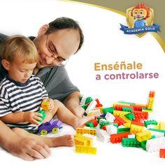 Si quieres que tu hijos aprendan a autocontrolarse, elijan juegos donde haya que tomar turnos y respetar cierto límite de tiempo con un reloj de arena. Esto les ayuda a controlar sus impulsos y ser más pacientes.