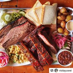 Dinner time, is platter time!!! . . .  #Repost @violayuwei (@get_repost) ・・・ #cherrystreet #barbeque #april 大统华旁边?记不清了… #tbt #bbq #toronto 看#肉 解解馋 #🍗#🍖#🥘 #饿的时候发食物 #smoke #bbq #barbecue #barbeque #bbqbeast #instafood #instagood #forkyeah #torontoBBQ