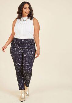Universal Appeal Pants. Attract compliments like a force of nature by rocking these navy blue pants! #blue #modcloth